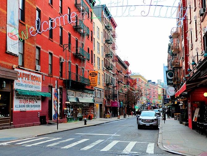 Barrio Little Italy en Nueva York - Cartel de bienvenida