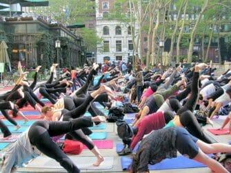 Clases de Yoga en Nueva York - Yogi