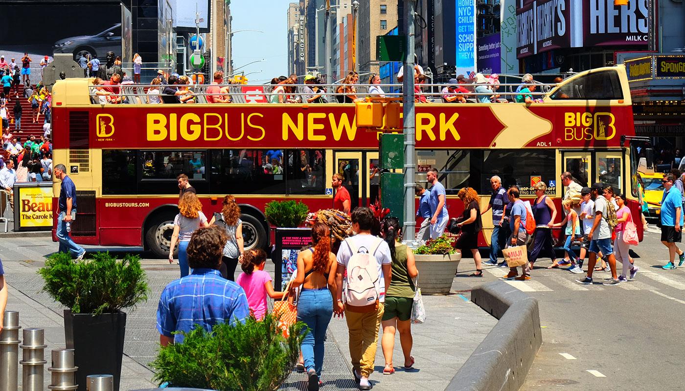 Big Bus en Nueva York - Cruzando Times Square
