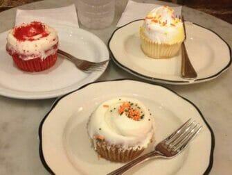 Los mejores cupcakes en Nueva York - Little Cupcake Bakeshop platos