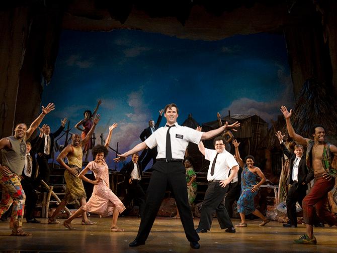 Tickets para The Book of Mormon en Broadway - Con los lugareños