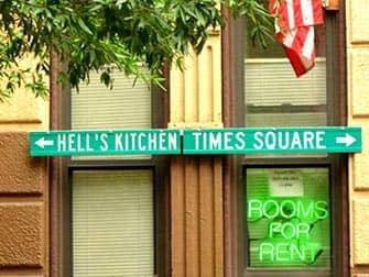 Hells Kitchen en NYC - letreros