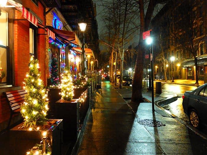 Hells Kitchen en Nueva York - de noche