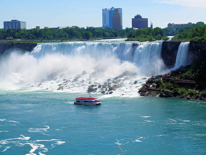 Excursion a Niagara Falls en avion privado - Paseo en barco