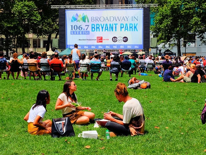 Broadway en Bryant Park