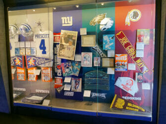 NFL Experience Times Square - Artefactos