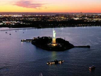 Evening Helicopter Tour and Sightseeing Cruise in New York Statue of Liberty