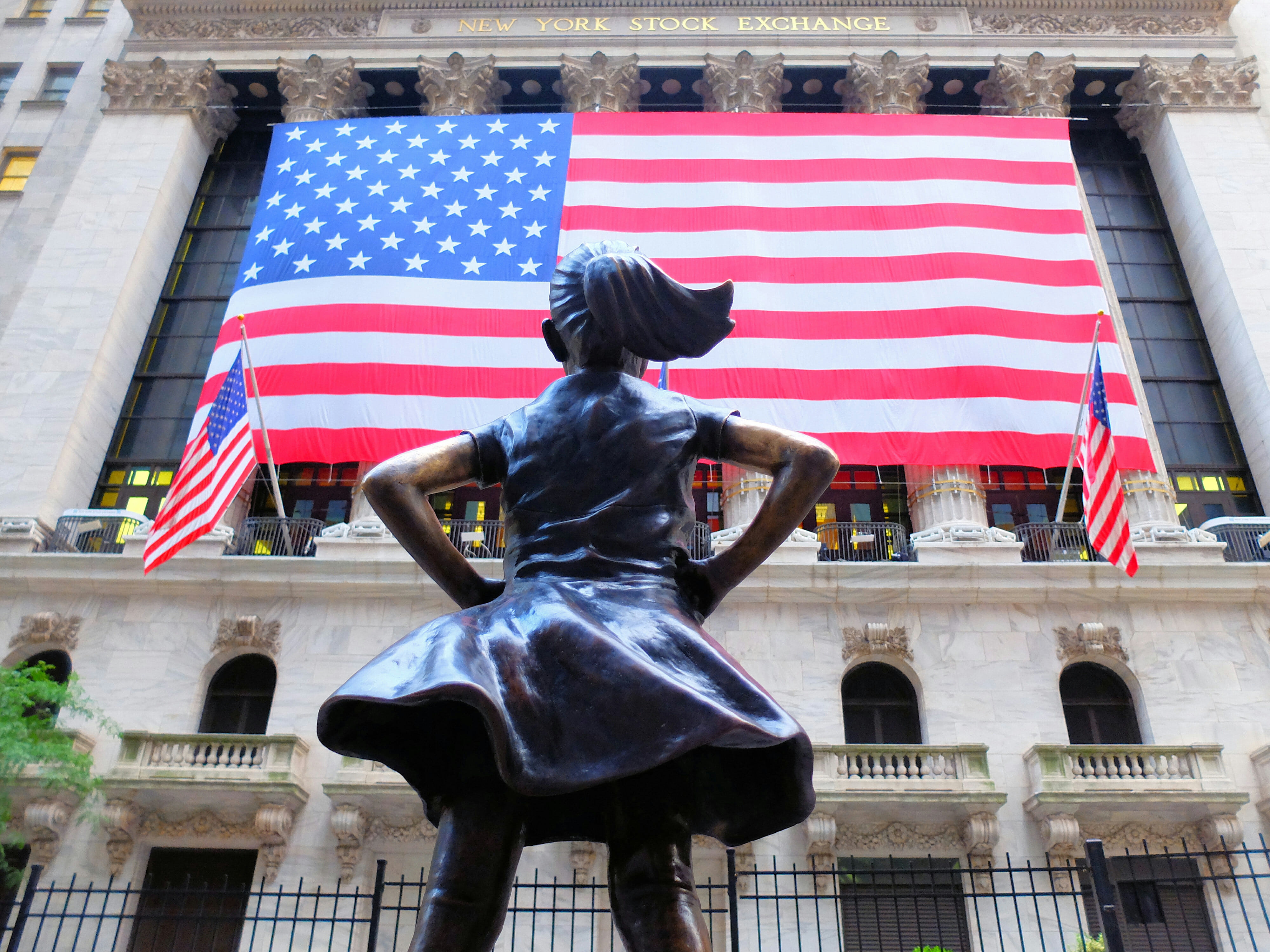 Fearless Girl in New York High Quality Wallpaper