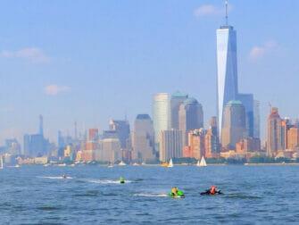 Jet ski en Nueva York One World Trade Center