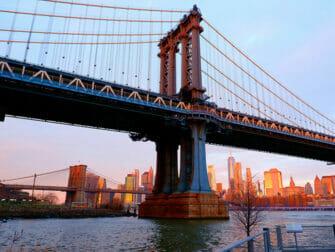Manhattan Bridge en Nueva York - Puesta de sol