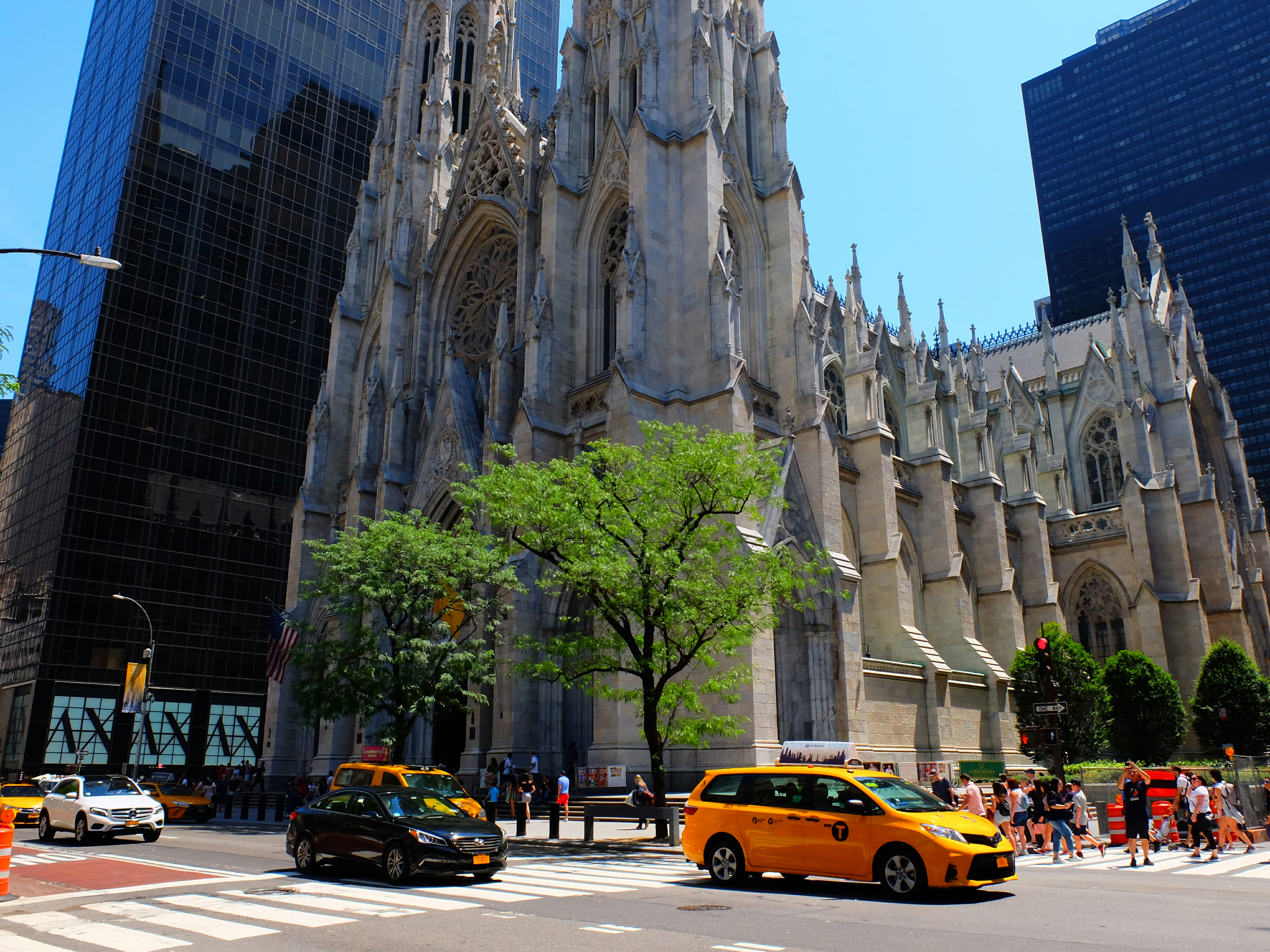 St Patricks Cathedral in New York High Quality Wallpaper