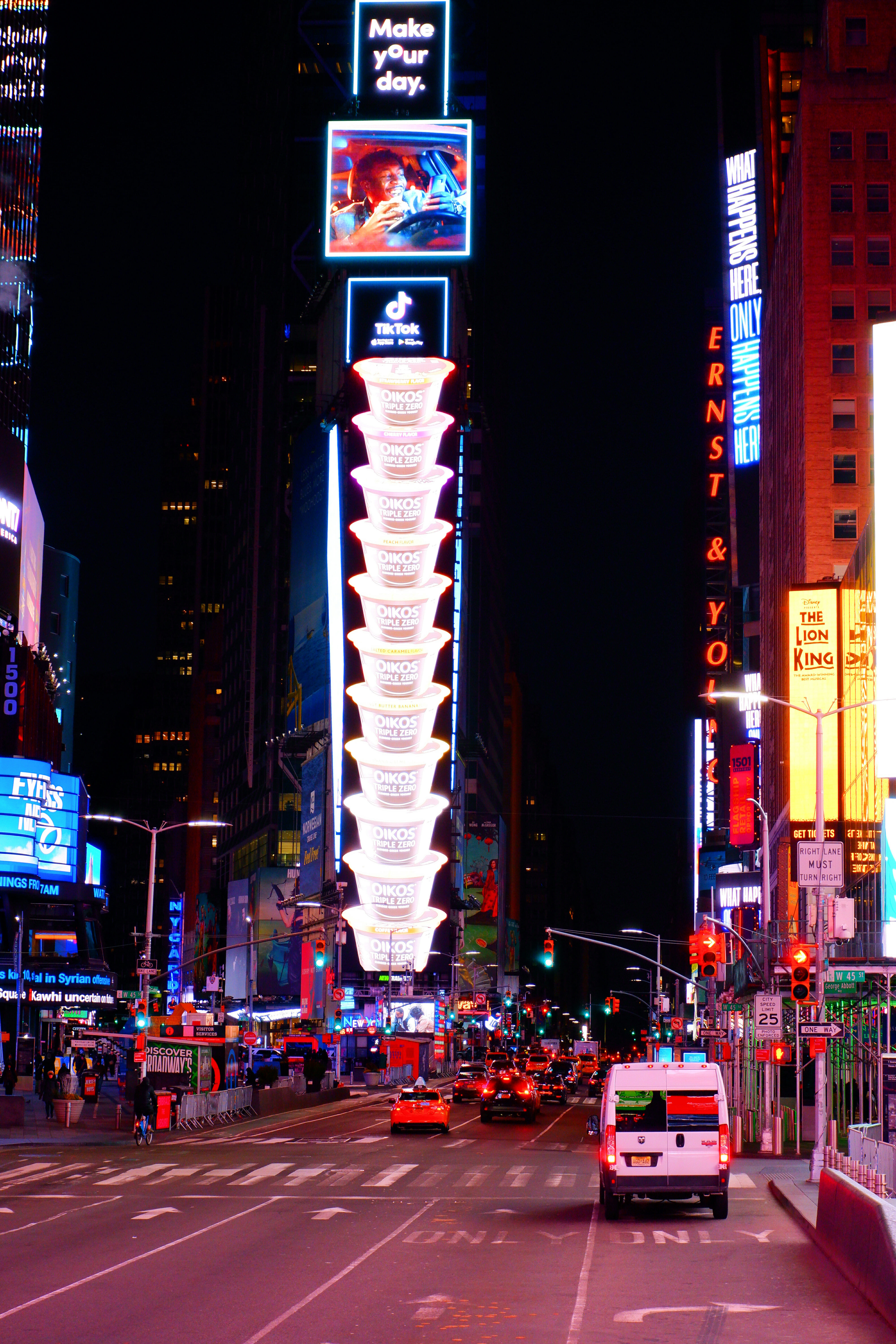 Times Square at Night High Quality Wallpaper