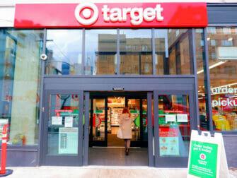 Supermercados en Nueva York - Exterior del target New York