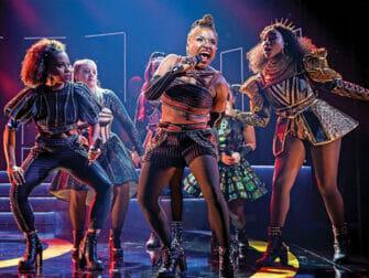 Tickets para SIX en Broadway - Cantando