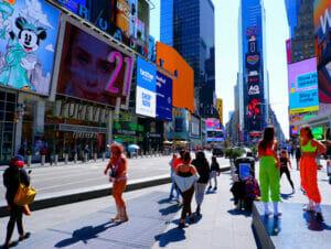 Nueva York está vacunando a turistas - Times Square Naked Cowboy