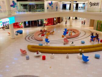 American Dream Mall cerca de Nueva York - tiendas